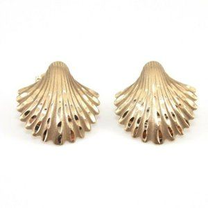 14K Gold Diamond Cut Sea Shell Earrings